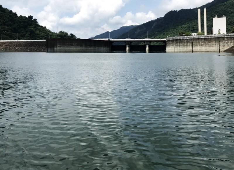 曾文水庫目前蓄水率近86﹪,再降雨200毫米,就到達滿水位。(記者吳俊鋒翻攝)