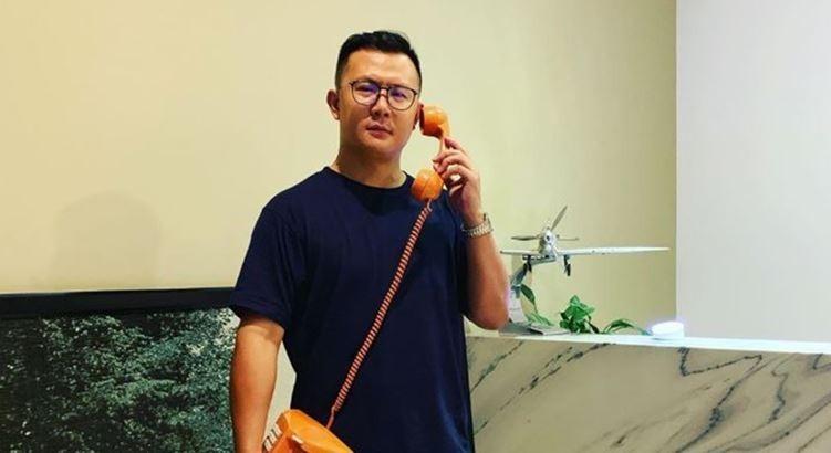 柯梓凱(見圖)創辦一芳水果茶,今天卻透過微博、微信發表支持一國兩制聲明,被台灣網友砲轟「滾去中國」。(圖擷取自柯梓凱IG)