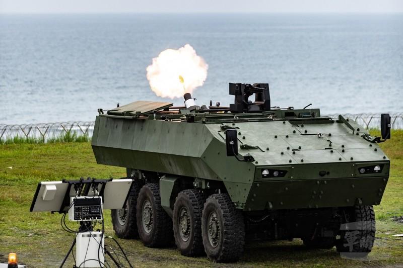 台北國際航太暨國防工業展15日開幕,搭載81公厘迫砲的「雲豹2代」M2樣車也將首度亮相。(圖擷取自《軍聞社》)