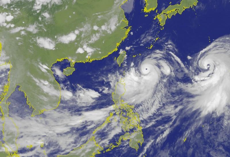 氣象局指出,利奇馬颱風至少會以中颱上限的強度影響台灣,也不排除增強為強烈颱風,提醒週四下半天到週五北部、東北部及中南部地區要留意豪雨以上等級雨勢來襲。(擷取自中央氣象局網站)