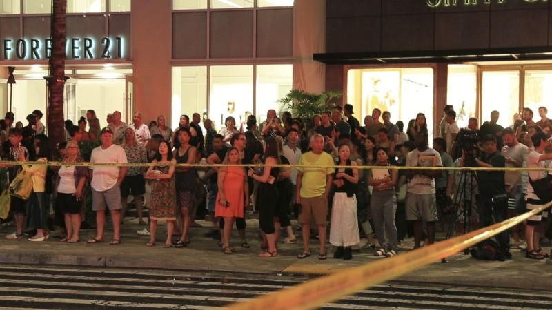 美國夏威夷為度假勝地,近日接連3天卻遭不明人士在威基基海灘(Waikiki Beach)附近3間不同的飯店蓄意縱火,所幸3起縱火案皆無造成人員傷亡。(美聯社)
