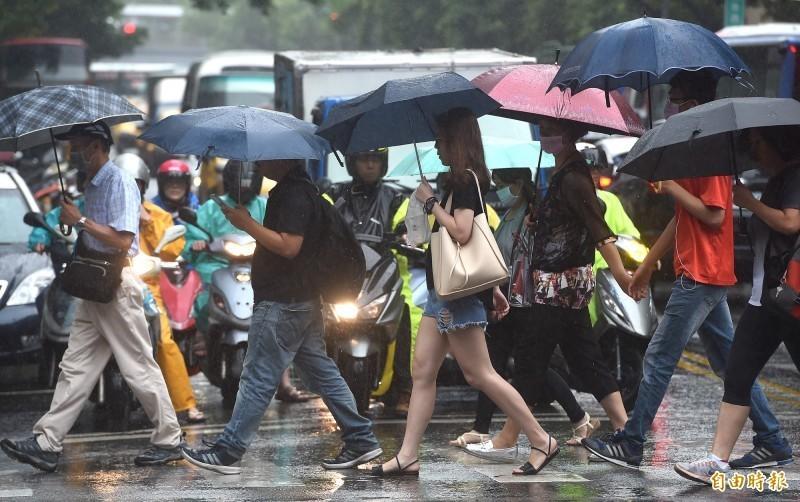 9日颱風來襲,民眾應做好防颱準備。(資料照)