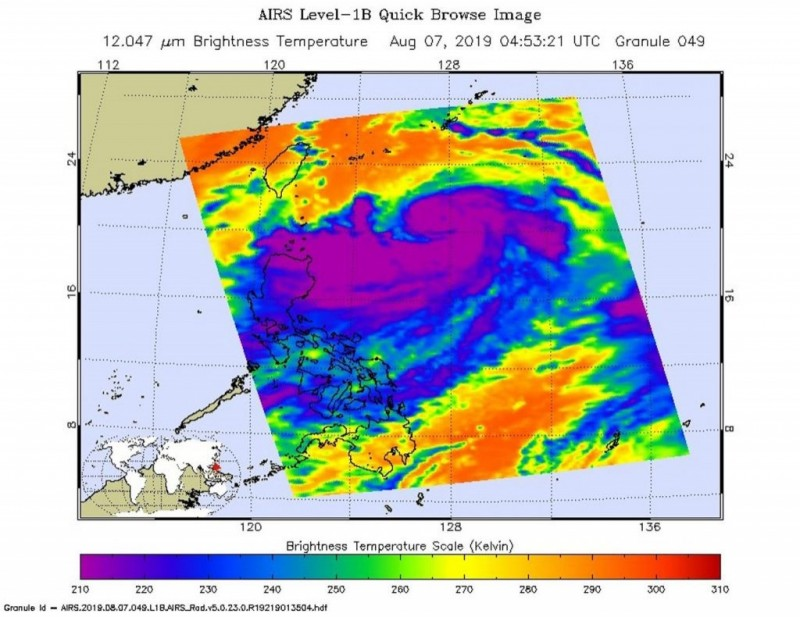 美國太空總署(NASA)指出,利奇馬威力已達到「超級颱風」等級,利奇馬持續增強,擁有紮實的對流中心,並有一個8海里的颱風眼,周圍有強烈暴風雨。(圖擷取自NASA)