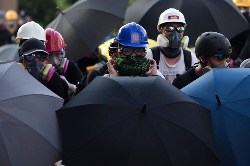 香港警方反對今日大埔遊行,發起人表示,將無法預估民眾自發的行動。圖為5日香港三罷期間,示威者集會情形。(法新社)