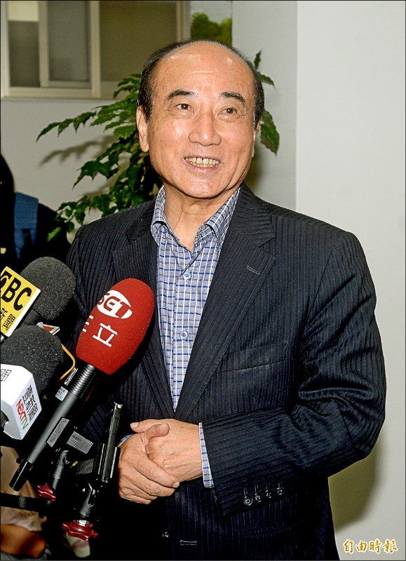 前立法院長王金平昨表示,會嘗試與台北市長柯文哲、鴻海創辦人郭台銘直接會面。(記者林正堃攝)