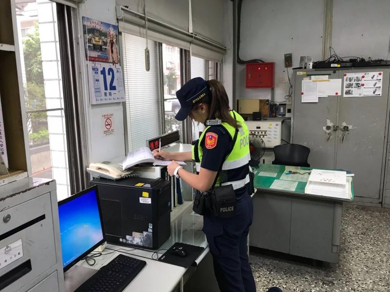 豐原分局美女警廖于嬅因協助新聞處理,遭檢舉違規調內勤。(記者歐素美翻攝)