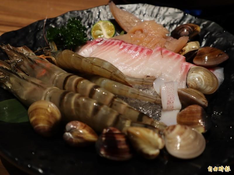 海鮮盤。(記者歐素美攝)