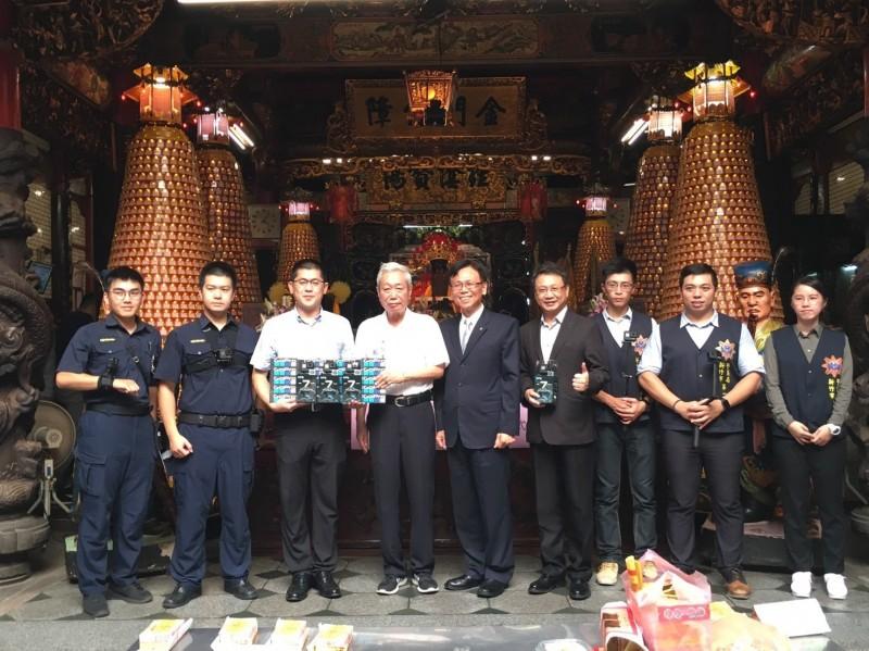 新竹都城隍廟贈Gopro攝影機 竹市警執法利器再提升