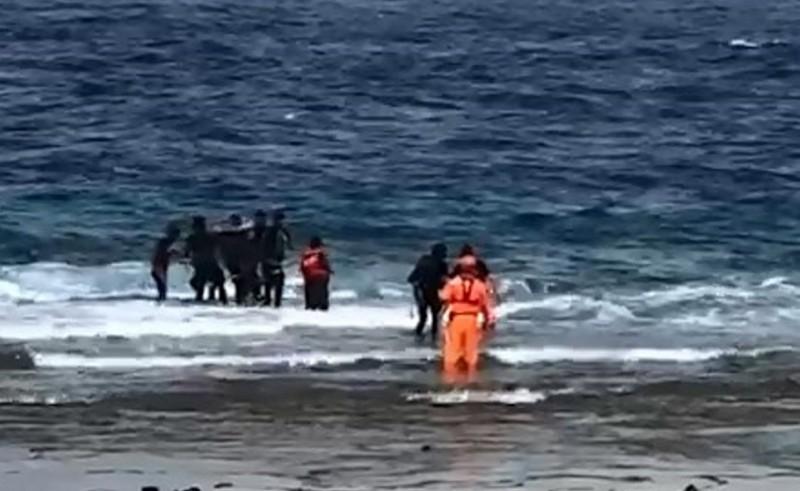 綠島3潛客沒體力游上岸 海巡救援幸平安無事