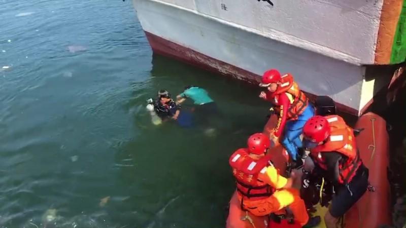 下海清除絞網 中國漁工溺斃