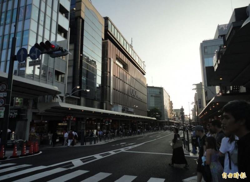 提到日本,不少人想到的是整齊的市容與乾淨的街道。圖為日本街道。(即時新聞攝)