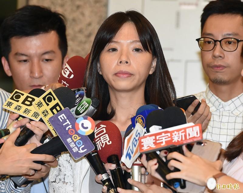 時代力量立委洪慈庸今宣布退黨,以無黨籍參選台中市立委。(記者朱沛雄攝)