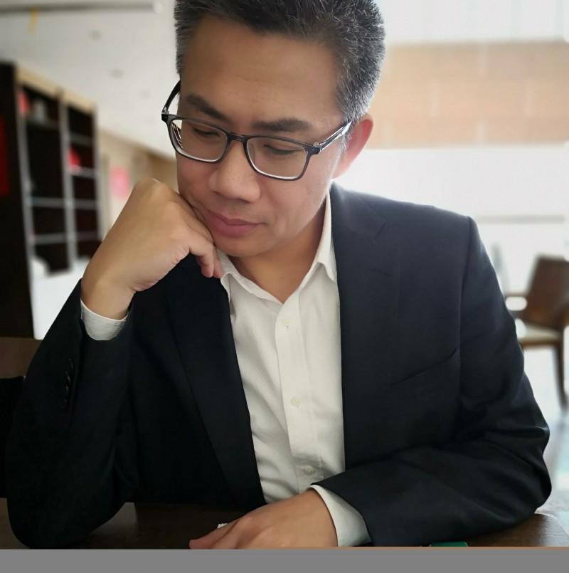 羅友志針對陳宏昌、楊秋興一事,批國民黨「軟趴趴」。(記者曾德蓉翻攝至臉書)
