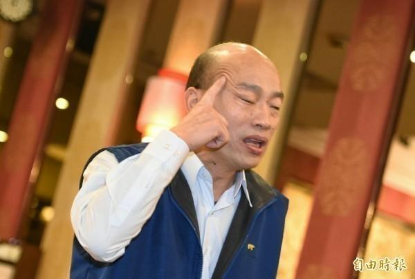 高雄市長韓國瑜12日快中午才離開家門,遭質疑11日跑造勢活動「累了嗎」。(資料照)