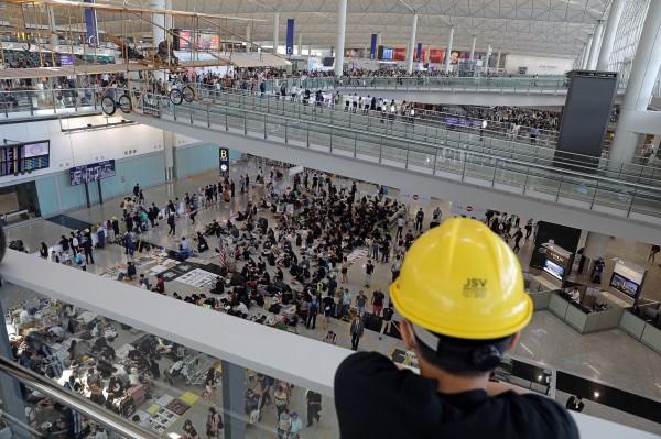 若中鎮壓香港?MarketWatch:恐現全球市場資金撤退