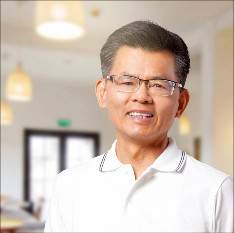 前高雄縣長楊秋興透過臉書強力批判高雄市長韓國瑜。(記者王榮祥翻攝)