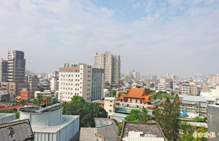 老屋健檢補助提高,台南市府呼籲民眾提出申請。(記者洪瑞琴攝)