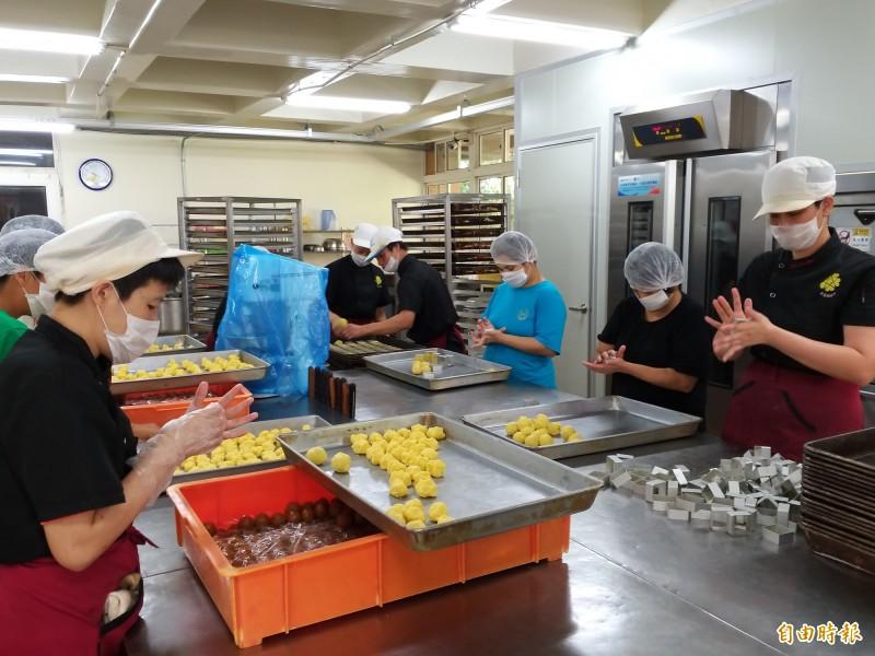 香園教養院月餅禮盒訂單減半 急盼社會各界支持
