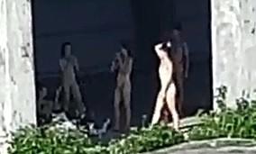 彰化出現天體營?警方獲報到場了解,原來是穿肉色舞衣的學生舞蹈社團。(取自彰化踢爆網)