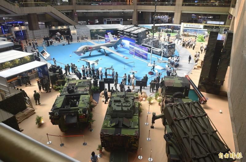 國防部14日舉行「2019年臺北國際航太暨國防工業展」展前記者會,聯合作戰展區展出42項武器裝備。(記者廖振輝攝)