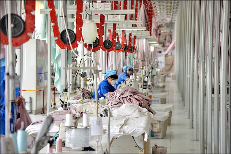 中經濟入寒冬 工業生產17年最弱