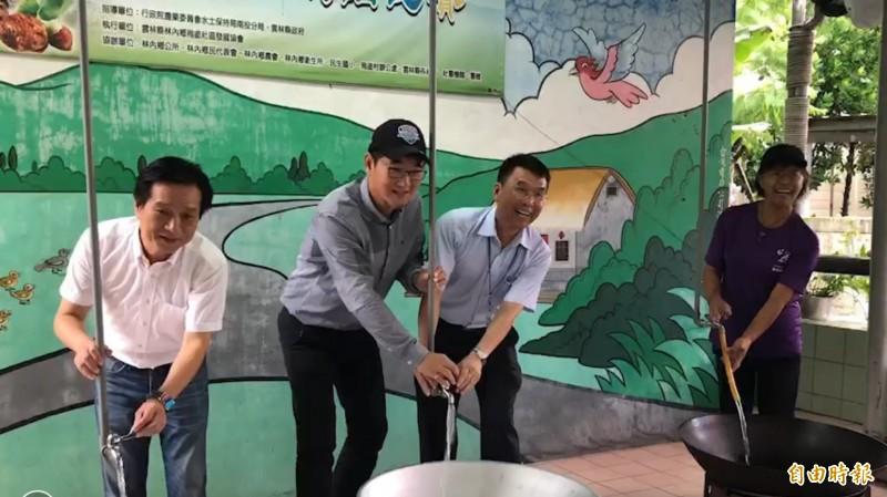 水公司完成烏塗村自來水管線汰換,提高供水品質,減少水資源浪費。(記者林國賢攝)