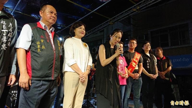 高雄市長夫人李佳芬回到雲林參加虎尾中元節,感謝大家對韓國瑜的支持。(記者廖淑玲攝)