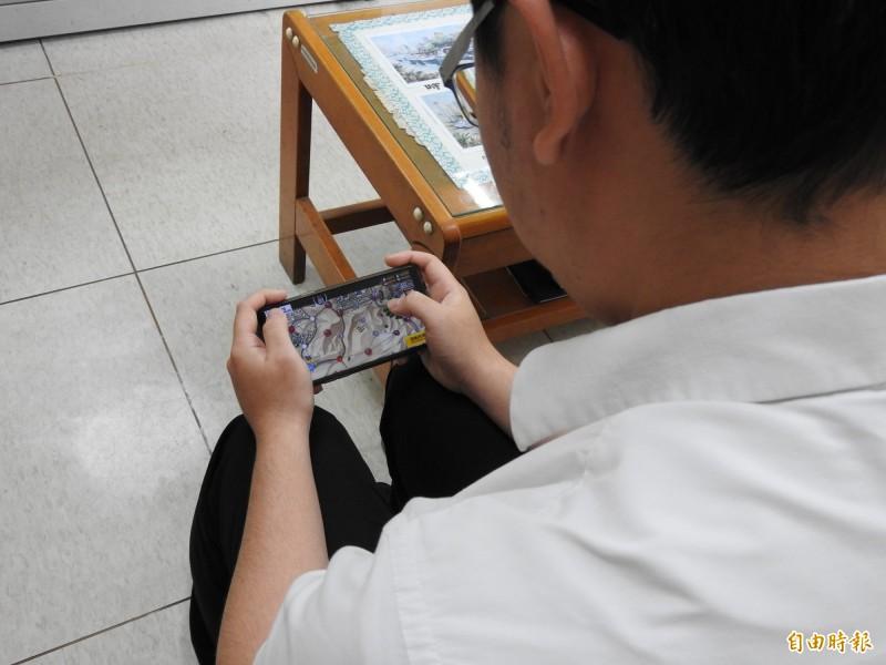 學者研究,女孩玩電玩社交能力較差。示意圖