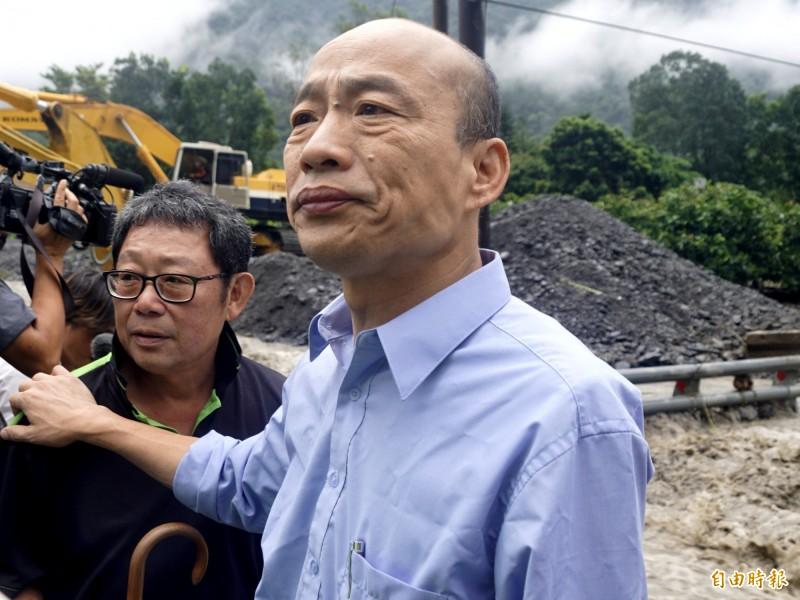 韓國瑜競總晚間發聲明,提告黃光芹、賴坤成妨害名譽等罪。(記者黃佳琳攝)
