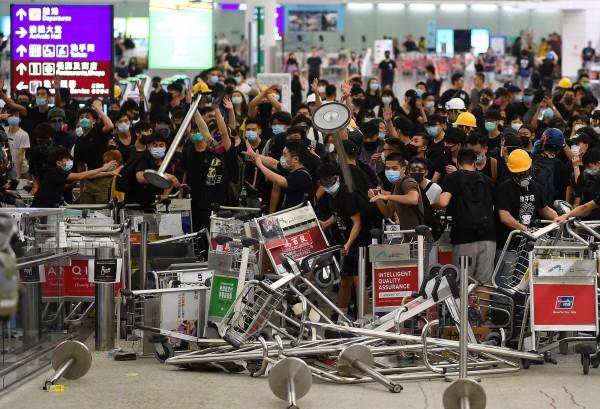 反送中》港民發動銀行擠兌  國銀香港分行未受影響