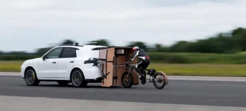 把自行車當賽車騎?英國男子騎出時速280公里