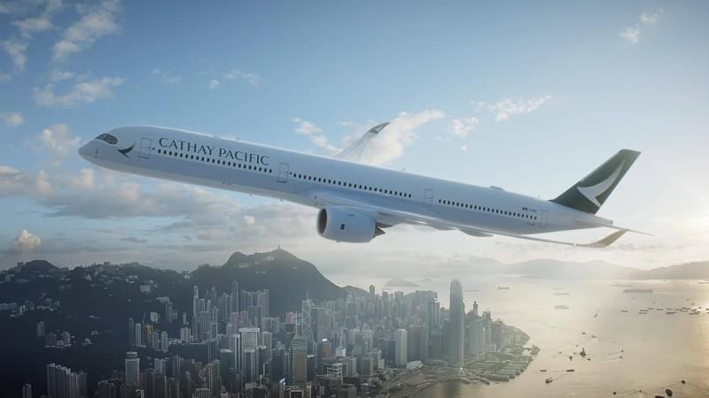 國泰航空一名機長曾在機上廣播「香港人加油,萬事小心」,今有媒體報導指出已經離職。(圖擷取自臉書_國泰航空)