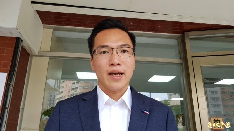 民進黨議員林智鴻批評韓國瑜假掰北上演講,其實是為選了總統大選,凸顯面臨換瑜風波處境艱難。 (記者陳文嬋攝)