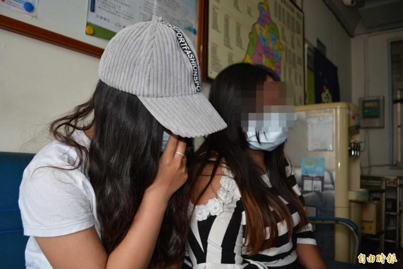 女童的生母(左)與阿姨(右)都曾泣訴:「對女童很好,很疼她。」(資料照,記者湯世名攝)