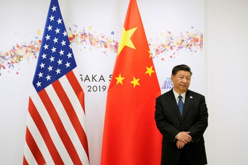 中國國家主席習近平現身莫高窟被視是拜佛解香港問題。(路透)