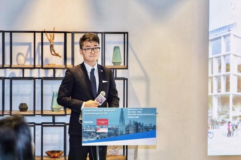 「被送中」的香港英國領事館職員鄭文傑,是曾就讀台大政治系的香港僑生。(取自臉書)