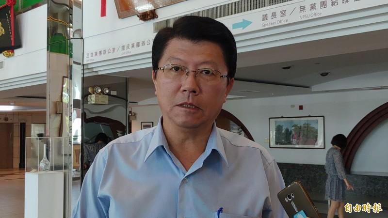 謝龍介表示,他沒有說有追蹤器,只是車底下有疑似追蹤器的線。(資料照,記者蔡文居攝)