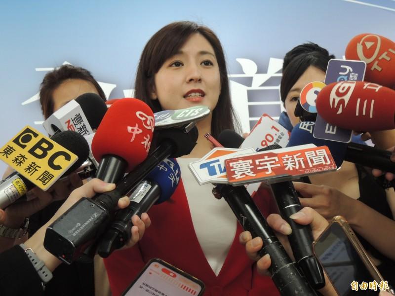 郭柯王將合體,韓國瑜競總發言人何庭歡表示尊重。(記者王榮祥攝)