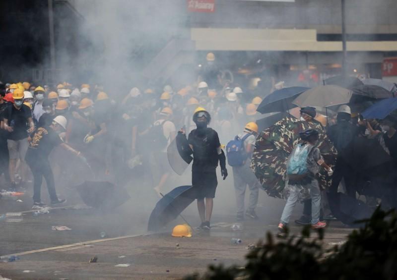 圖為反送中示威活動現場照片。(路透)