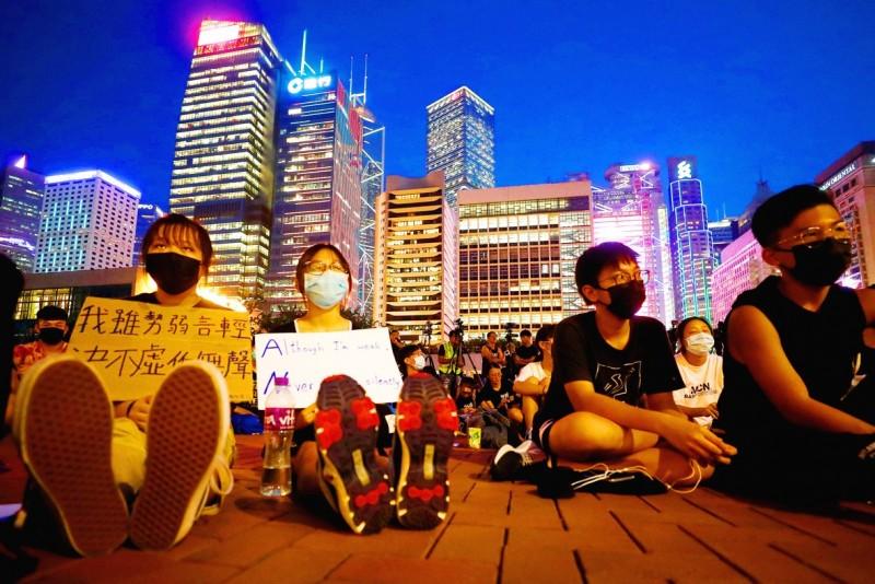《TAIPEI TIMES》 Chinese media target HK using tools Beijing bans