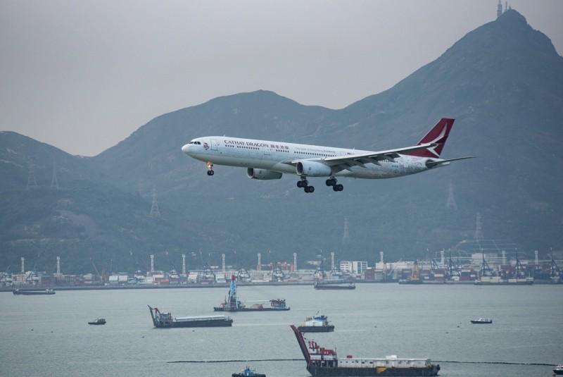 國泰港龍航空航空公司空勤人員協會主席施安娜今日遭到解僱。(歐新社)
