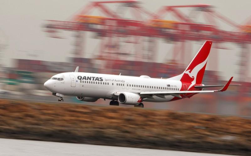 澳洲航空週四公布「日出計畫」,將安排「研究航班」從墨爾本、雪梨和布里斯本直飛倫敦和紐約,飛行時間約19個小時。(路透)