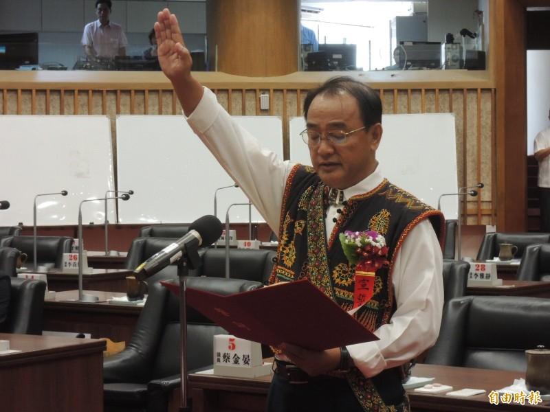 「讀你」挺韓原民議員解職 范織欽遞補上任