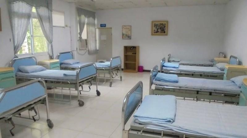 太平島南沙醫院雖然很陽春,但醫療設備還算齊全。(圖/國軍高雄總醫院提供)
