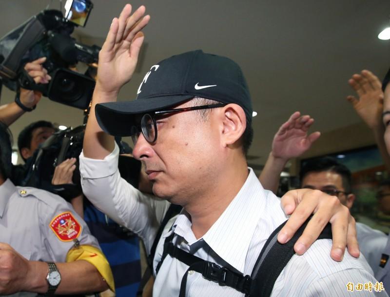 國安特勤私菸案爆發33天後,針對國安特勤涉案部分,台北地檢署今天火速偵結,共起訴華航前副總邱彰信等13人。(資料照)