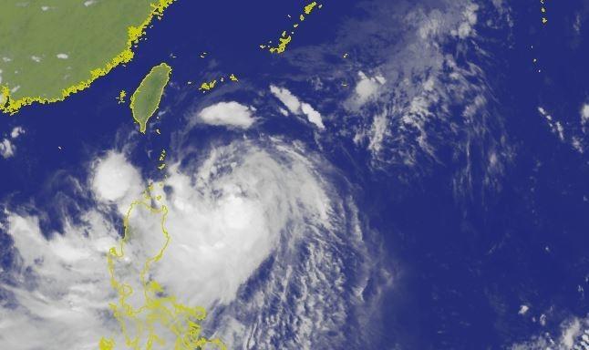 白鹿颱風路徑南偏,目前預計將從恆春半島登陸台灣。(圖擷取自中央氣象局)