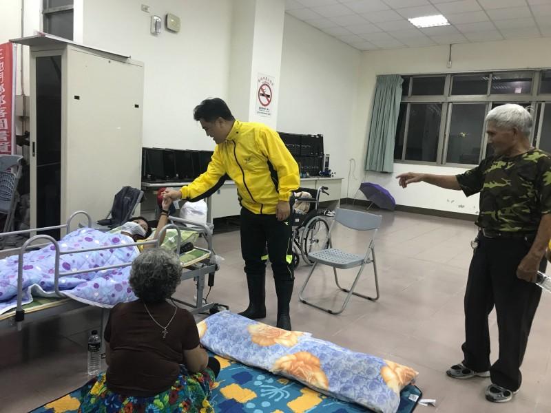 屏東三地門鄉今天晚間7點針對達來村民進行預防性勸導撤離。(三地門鄉公所提供)