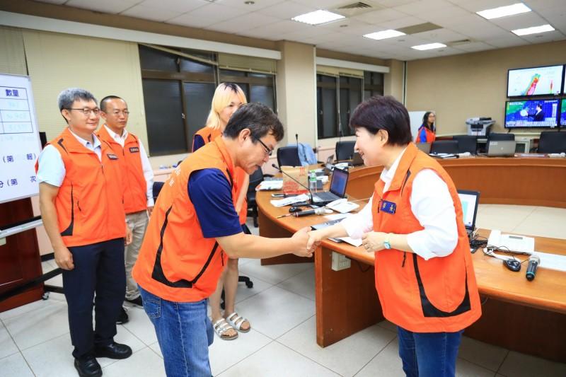 盧秀燕傍晚視察水情中心 議員批:颱風已經出海才去