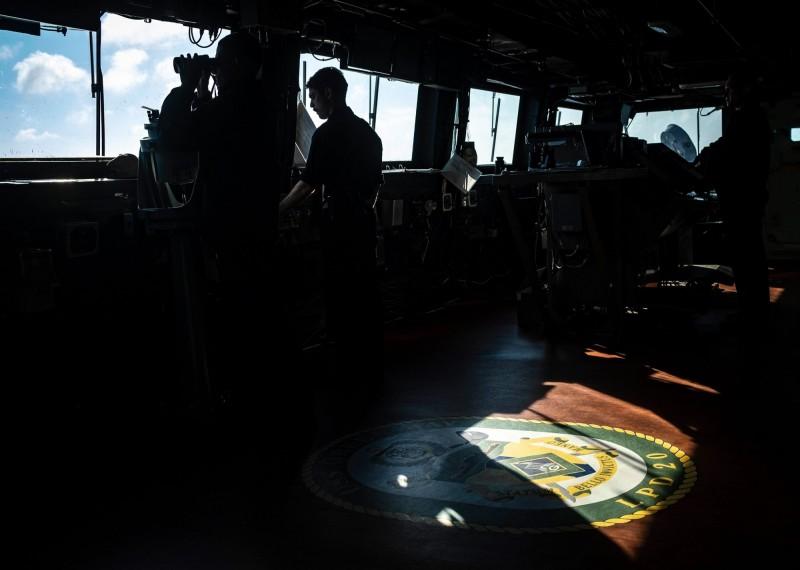 第七艦艦隊也表示,「目前該艦在印度太平洋地區持續執行任務、加強與合作夥伴的協同演練,同時還身兼面對緊急情況的機動力量。」表明了美國對於自由開放的印度太平洋的承諾。(圖擷取自臉書粉專「U.S. 7th Fleet」)