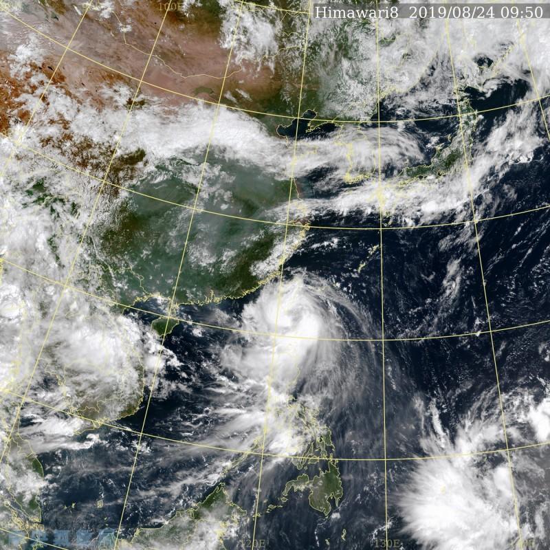 目前菲律賓東方海面有有熱帶擾動醞釀中。(擷取自中央氣象局)